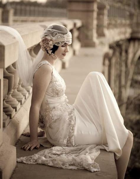 retro vintage wedding dresses jpg 550x704