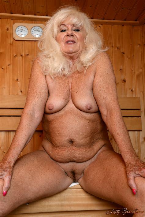 chubby old grannies jpg 4016x6016